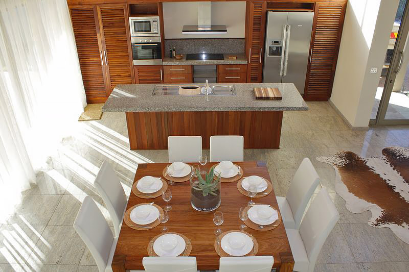 Golf Villa 81 - Kitchen and dining area